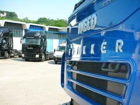 Vendita veicoli e materiale usato.